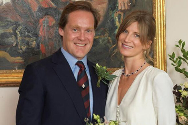 A friend of Prince Harry and an enviable British bachelor, the Duke of Roxburghe got married