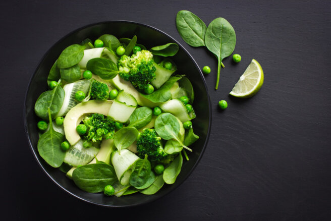 Spinach, cucumber and broccoli salad