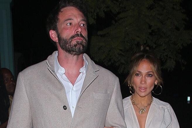 Jennifer Lopez and Ben Affleck were filmed on a date in Beverly Hills