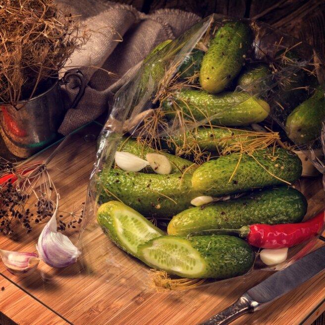 How to make cucumbers crispy