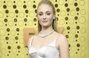 Sophie Turner provoked rumors about her bisexuality