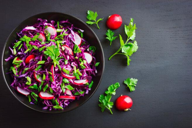 Red cabbage and radish salad
