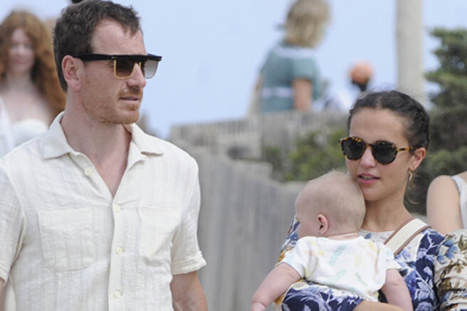 Michael Fassbender and Alicia Vikander with a child were filmed in Ibiza