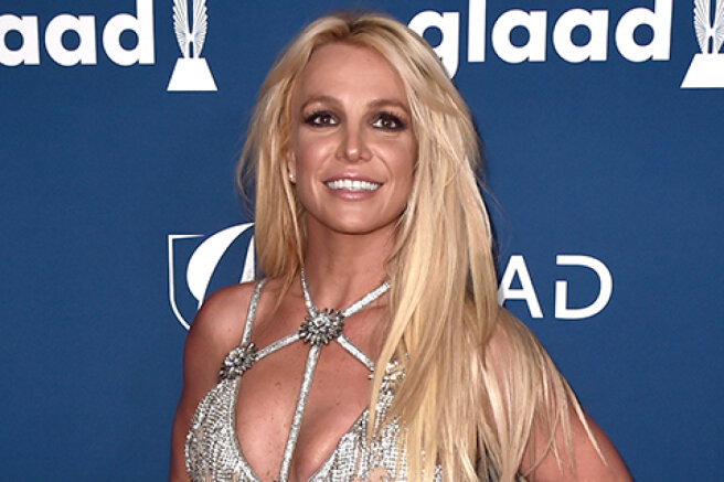 Britney Spears refused to perform on stage while her father controls her life and career. Got from the singer and her sister
