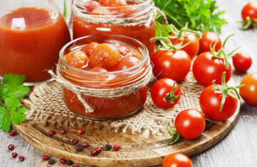 Canned cherry tomatoes without sterilization
