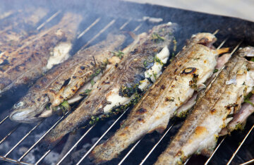 How to cook delicious grilled fish on Palm Sunday