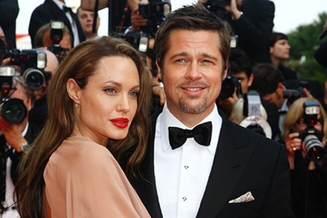 Angelina Jolie has filed new documents in court in the case of divorce from Brad Pitt