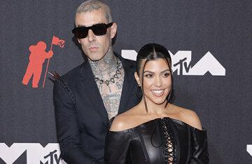 MTV Video Music Awards 2021: Kourtney Kardashian and Travis Barker, Billie Eilish, Avril Lavigne and others on the red carpet