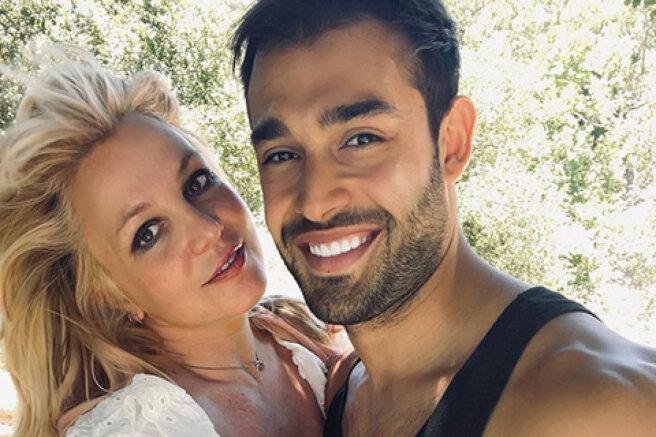 Britney Spears announced her engagement to boyfriend Sam Asgari