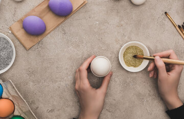 When to paint eggs and bake paschi for Easter 2021