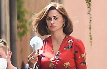 The style of Italy of the 70s: Penelope Cruz on the set of the film L'immensita
