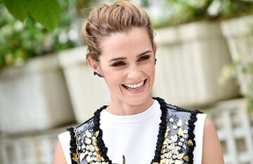 """An insider told about the romance of Emma Watson and Leo Robinton: """"Head over heels in love"""""""