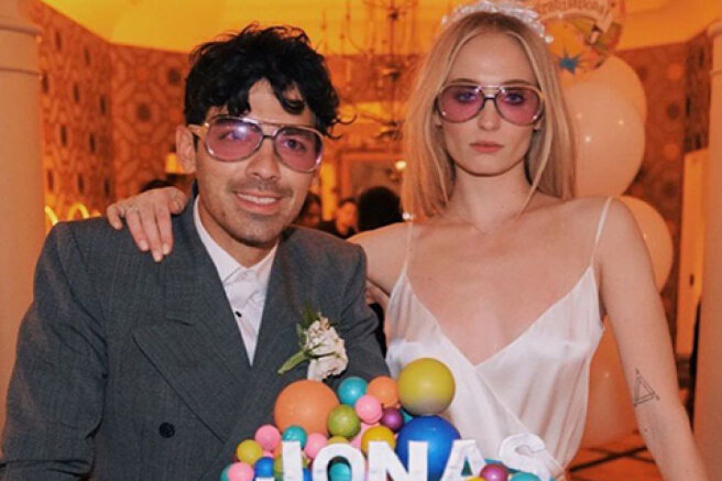 Games in the console and nude photos: how Joe Jonas celebrated his birthday with his wife Sophie Turner