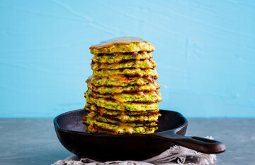 Pancakes from zucchini pp: without flour and extra pounds