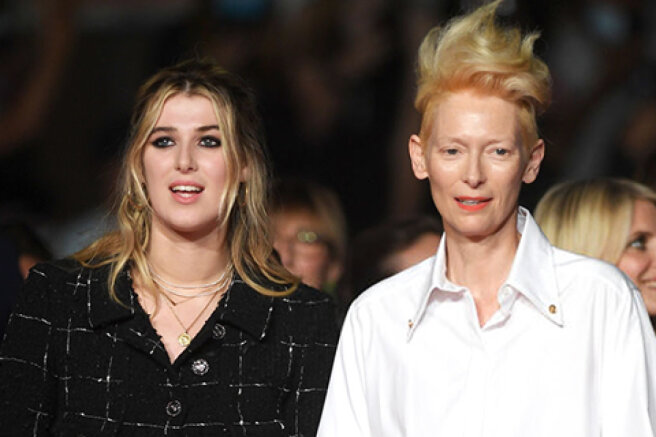 """Cannes-2021: Tilda Swinton with her daughter Honor at the premiere of the film """"Paris, the 13th arrondissement"""""""