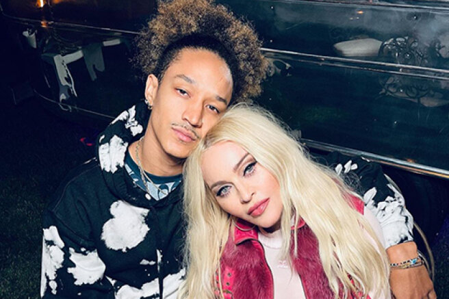 Madonna has published new photos with boyfriend Ahlamalik Williams and children