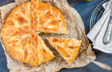 Monastery cabbage pie: a recipe for lazy housewives