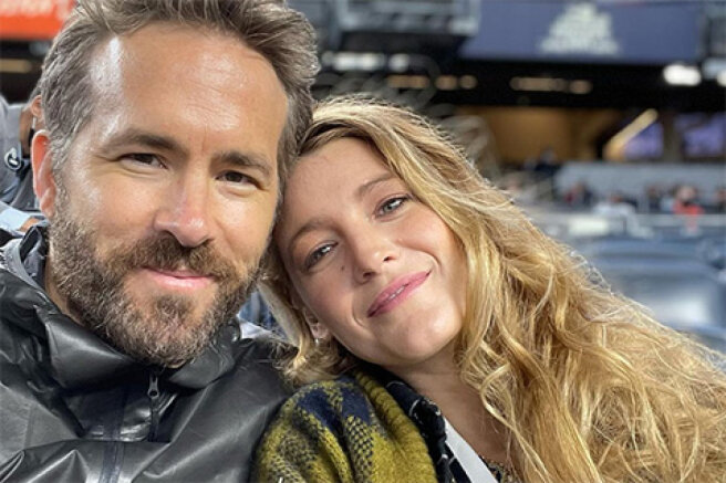 Blake Lively and Ryan Reynolds went to the stadium (and made fun of each other again)