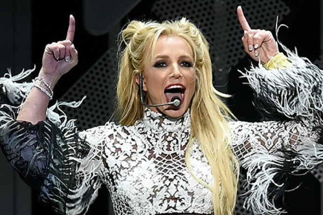 Britney Spears ' manager believes that the singer will soon end her musical career