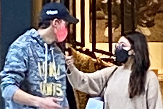 Mila Kunis and Ashton Kutcher on a shopping trip with children in Los Angeles: new photos