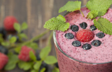 Berry smoothies: TOP 5 summer recipes