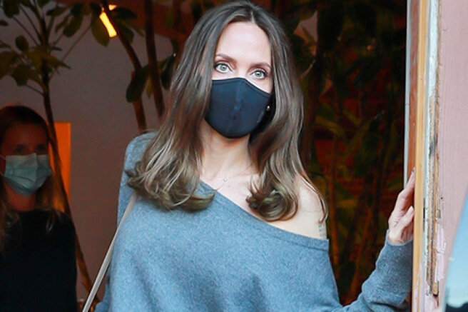 Angelina Jolie met with fans the day after a date with ex-husband Johnny Lee Miller