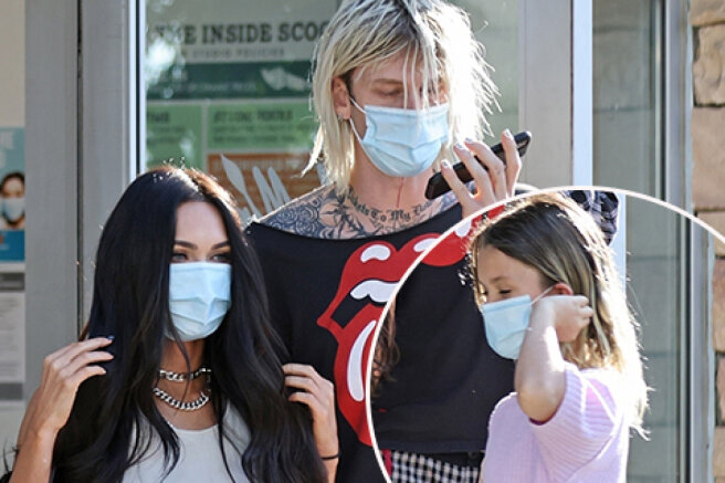 Megan Fox, along with her sons and lover Colson Baker, was seen on a walk in Los Angeles: photo