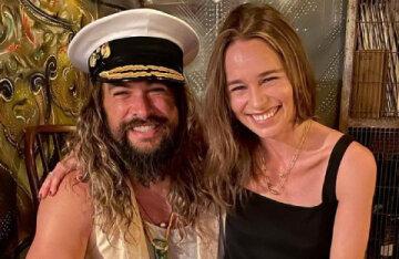 """Game of Thrones"" stars Emilia Clarke and Jason Momoa reunited"