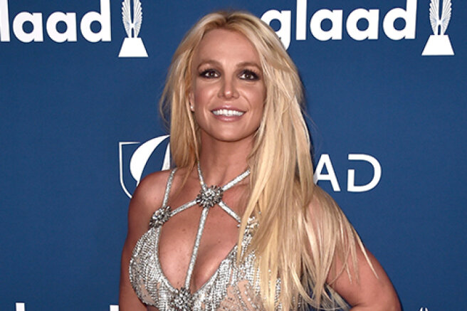Britney Spears called the rescue service on the eve of a scandalous court hearing