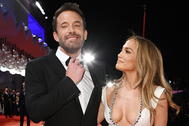 Jennifer Lopez and Ben Affleck went out together for the first time since the resumption of the novel