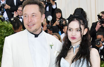 """""""I will create a lesbian space community"""": Grimes told about her plans after parting with Elon Musk"""